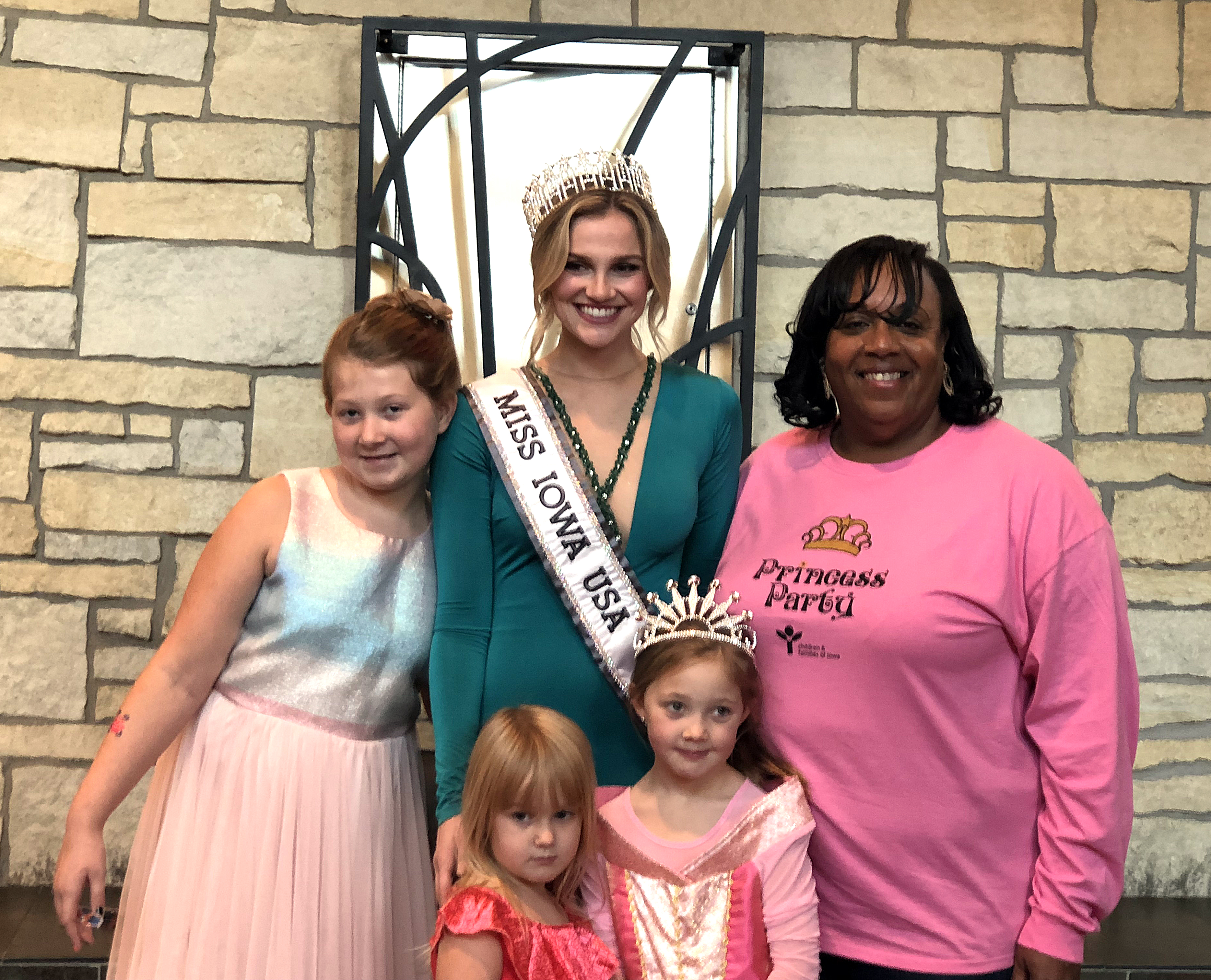 Janice and family with Miss IowaWeb